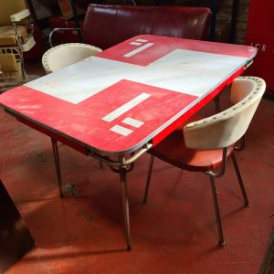 Diner table red white