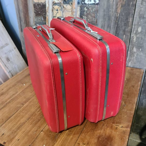 Tourister red cases