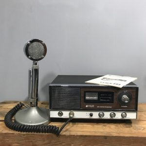 Vintage Lynx 23 Base Station Transceiver And Microphone.