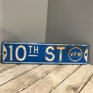 10th Street American Street Sign