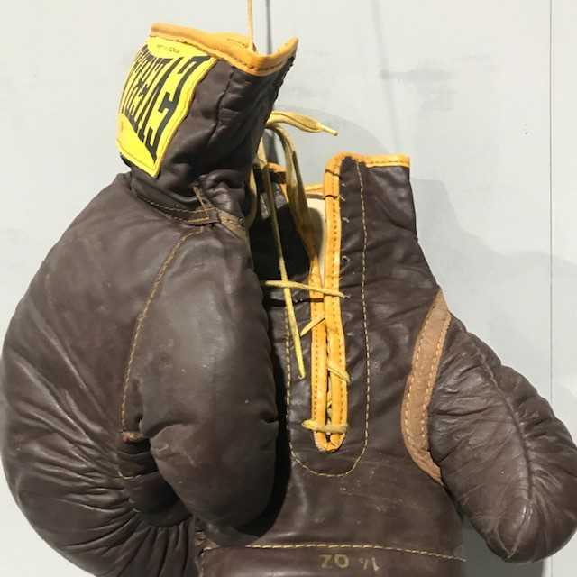 Vintage American Everlast Boxing Gloves Tramps Prop Hire